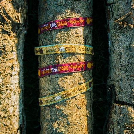 Pulseiras para ajudar florestas